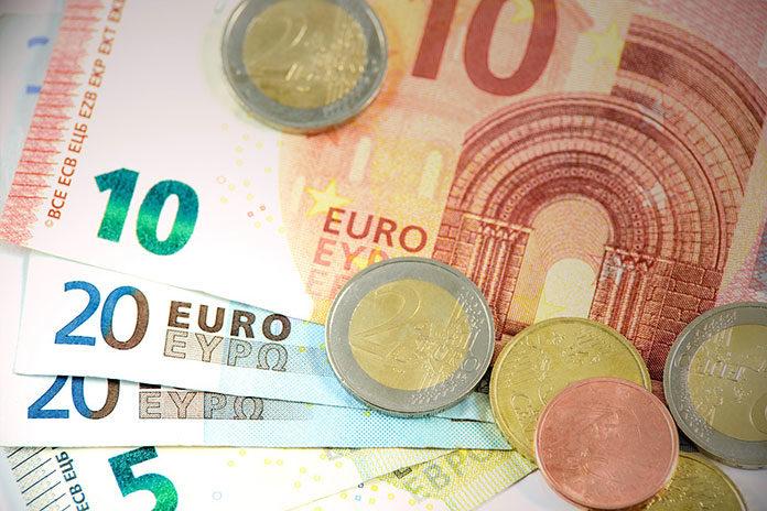 Jak złożyć wniosek o dotacje unijne? Poradnik, co zrobić krok po kroku