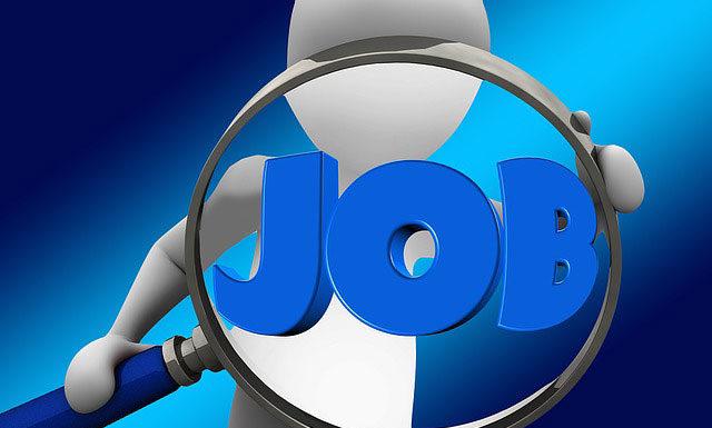 Czy warto szukać pracy przez agencje pośrednictwa pracy?