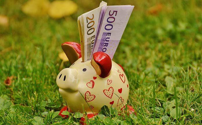 Jak oszczędzać? Gdzie odkładać pieniądze?