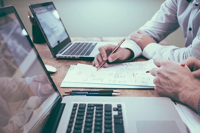 Radcy prawni – jak mogą pomóc w prowadzeniu Twojego biznesu