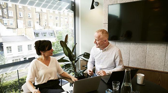 Czym jest perswazja i jak wykorzystać ją w biznesie